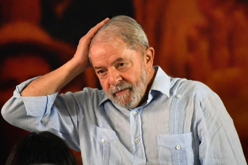 Fachin nega pedido de Lula e o envia a ministros do STF