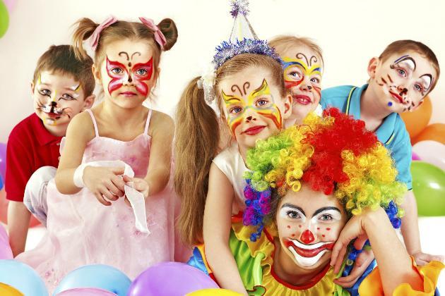 Bailinho de Carnaval anima Shopping em Goiânia