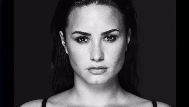 """Demi Lovato sobre overdose: """"não acreditem no que escrevem, eu contarei o que aconteceu"""""""