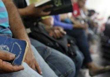População desempregada soma 12,966 milhões de pessoas
