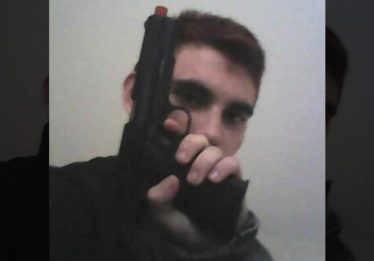 Expulso da escola, suspeito de ataque amava armas, dizem colegas