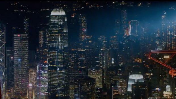 Dwayne Johnson se arrisca no trailer de 'Arranha-Céu: Coragem Sem Limite'