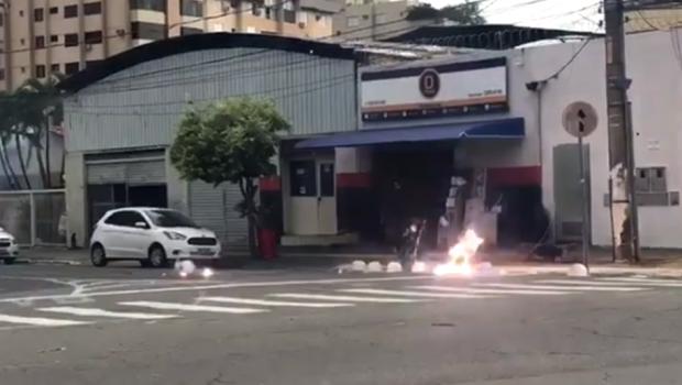 Cabo de alta tensão pega fogo e deixa Setor Aeroporto sem energia