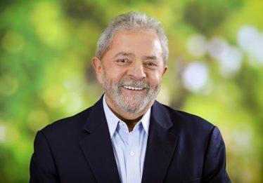 'Vaquinha' rende R$ 1,3 mi a presidenciáveis