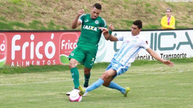 Goiás domina a partida no Jonas Duarte e vence o Grêmio Anápolis