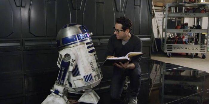 JJ Abrams confirma que roteiro de Star Wars: Episódio 9 está pronto