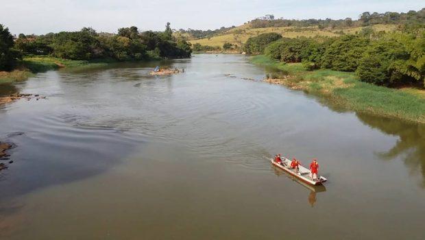 Jovem desaparece após mergulhar com compressor de ar no Rio das Almas, em Uruaçu