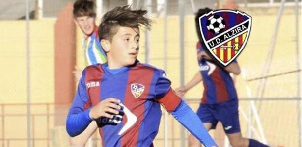 Jogador de 15 anos morre durante partida na Espanha
