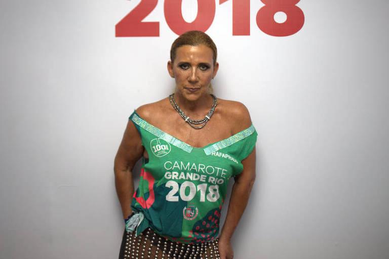 Após ser barrada em estúdio da Globo de SP, Rita Cadillac é entrevistada por Alex Escobar