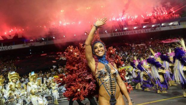 Com forte gripe, Sabrina Sato tomou injeção e antibióticos para desfilar pela Gaviões