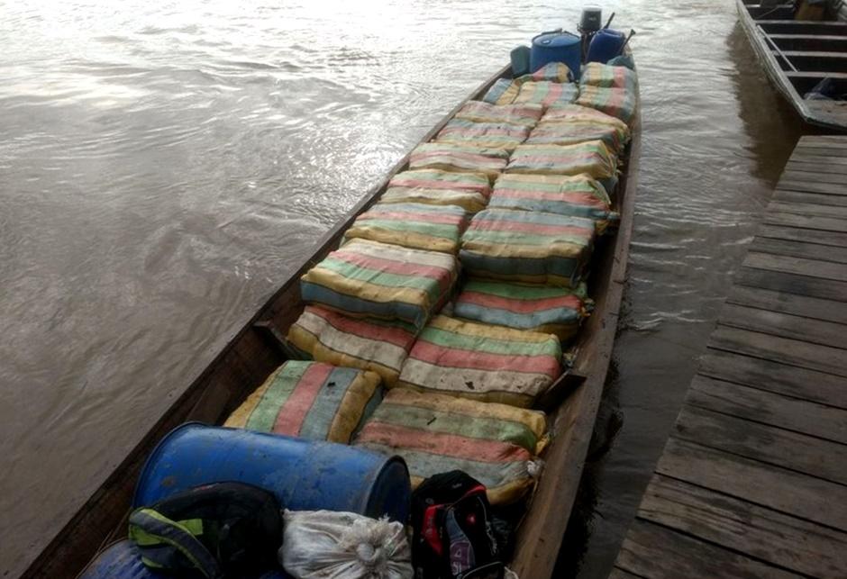 Duas toneladas de skunk são apreendidas pelo Exército na fronteira da Amazônia