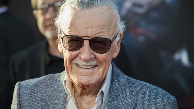 Stan Lee, criador dos heróis da Marvel, recebe alta de hospital nos EUA