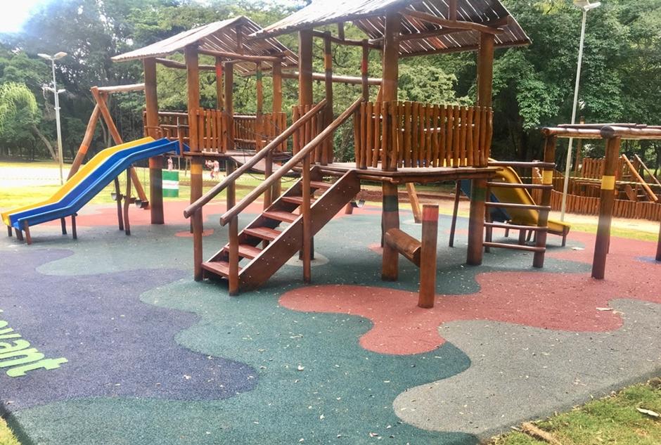 Prefeitura de Goiânia inaugura parques infantis e academias da terceira idade