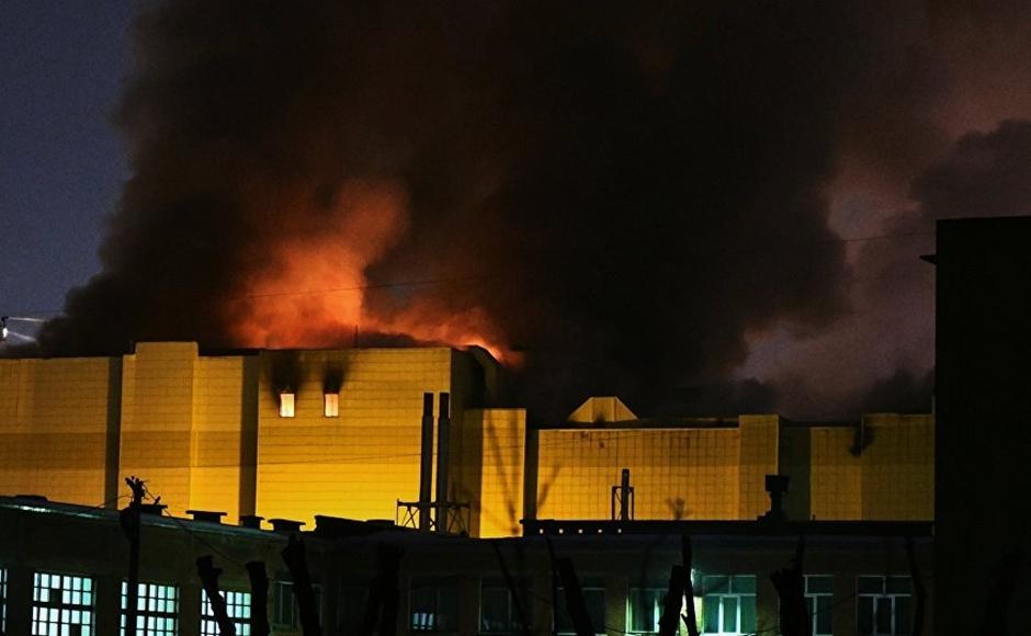 Pelo menos 64 pessoas morrem em incêndio em shopping na Rússia