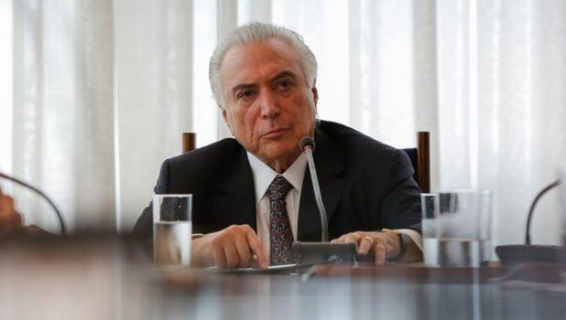 Temer mira Maia com reforma ministerial