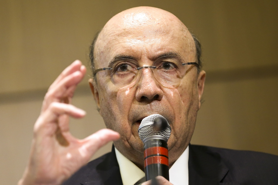 Governo inicia estudo sobre mudança na tributação de combustível, diz Meirelles