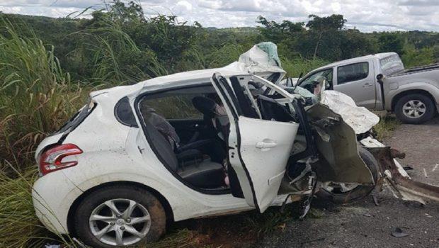 Quatro pessoas morrem em acidente na BR-070; vice-prefeito de Cocalzinho de Goiás e filho ficam feridos