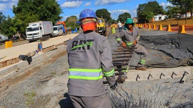 Após nove meses paralisada, obra do BRT é retomadas em Goiânia