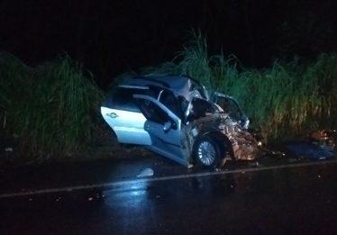 Pastor morre ao colidir com carreta na BR-364, entre Mineiros e Jataí