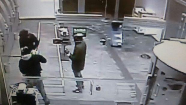 Trio explode caixas eletrônicos, foge e é morto em confronto com o Giro no Jardim Europa
