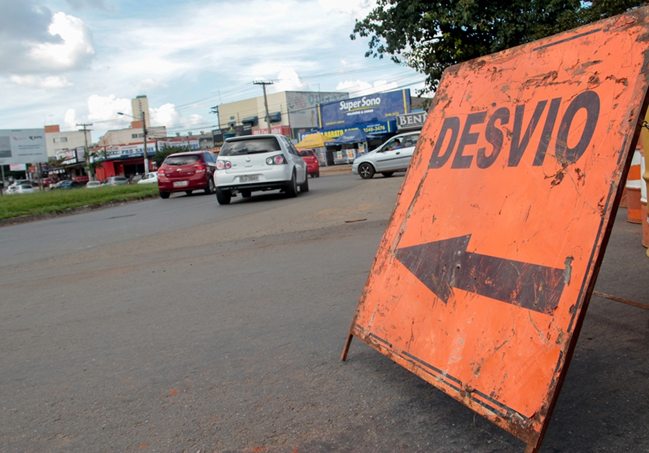 Avenida São Paulo, em Aparecida de Goiânia, é interditada para obras