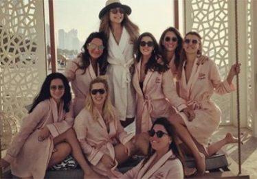 Oito amigas morrem em acidente de avião após participarem de festa de despedida de solteiro em Dubai