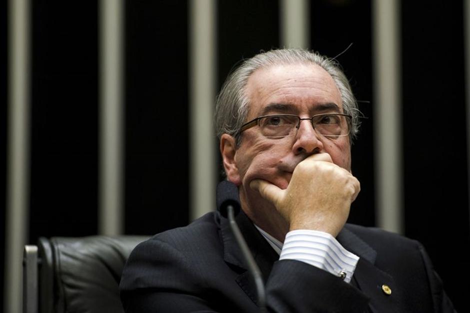 Cunha reclama de ser levado na traseira de camburão em Curitiba