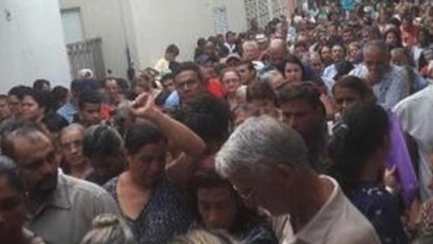 Problemas hidráulicos interditam ambulatório no Hospital das Clínicas, em Goiânia