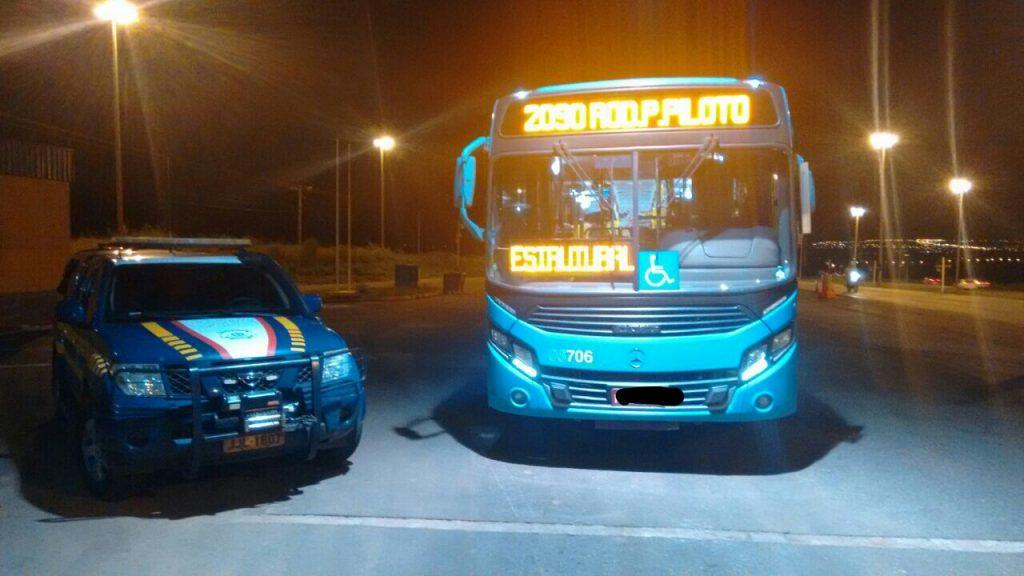 Motorista do transporte coletivo é preso dirigindo embriagado, em Brasília