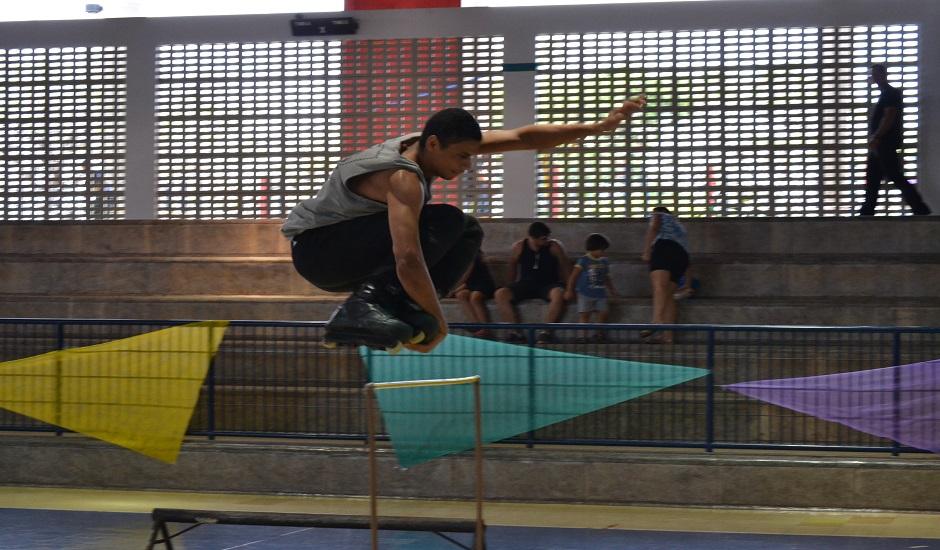 Sesc Universitário recebe evento gratuito com oficinas e aulas de skate no domingo (17)