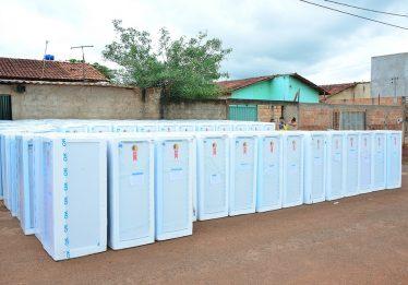 Enel realiza troca de geladeiras no setor Recanto das Minas Gerais, em  Goiânia