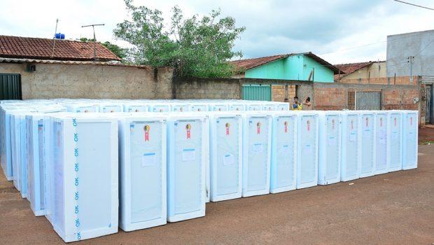 Enel Distribuição troca geladeiras de clientes em situação de vulnerabilidade social em Goiânia