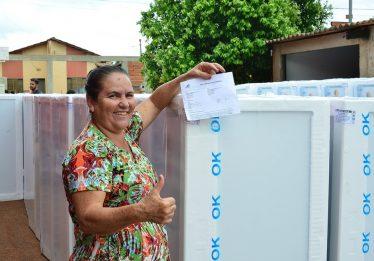Enel realiza troca de geladeiras no Setor Finsocial, Goiânia