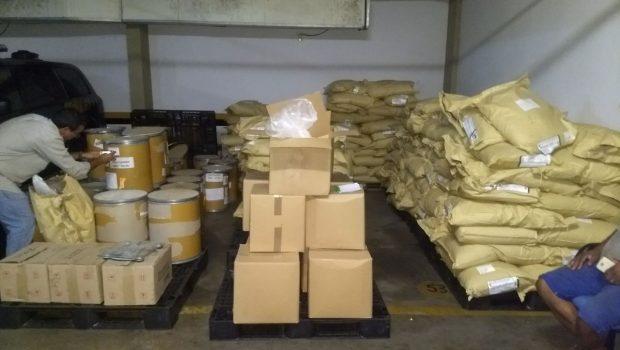 PM apreende 6 toneladas de produtos químicos usados no refino de cocaína em Goiânia