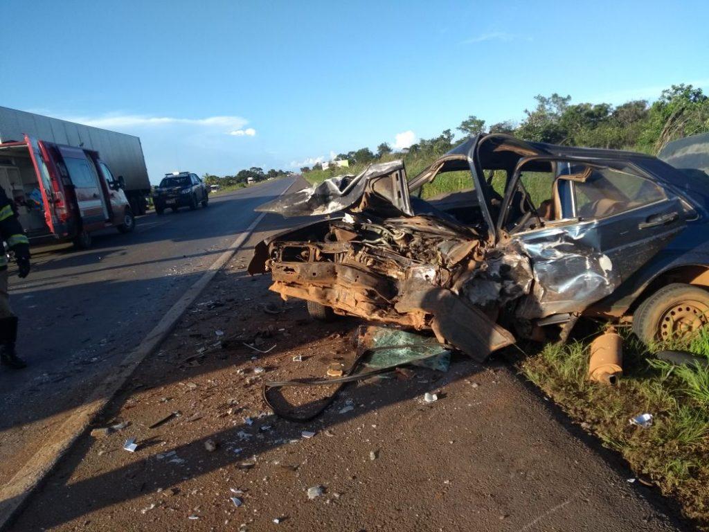 Homem morre em acidente após tentativa de ultrapassagem na BR-020, em Formosa
