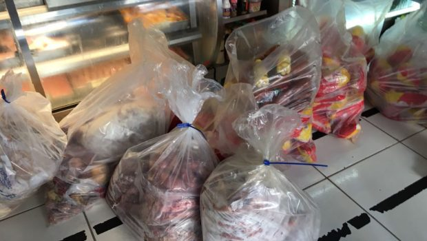 Procon Goiás apreende 150 quilos de frangos vencidos em açougue de Goiânia