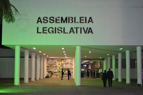 Após denúncia, deputado afasta suposta servidora fantasma das funções na Alego
