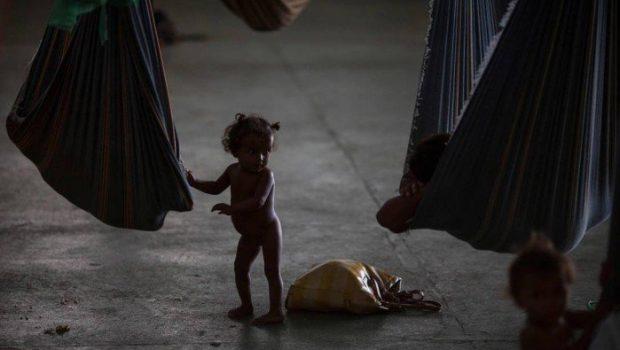 Criança venezuelana internada com sarampo morre em hospital de Roraima