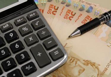 País bate marca de R$ 1,7 tri em pagamento de impostos nesta segunda