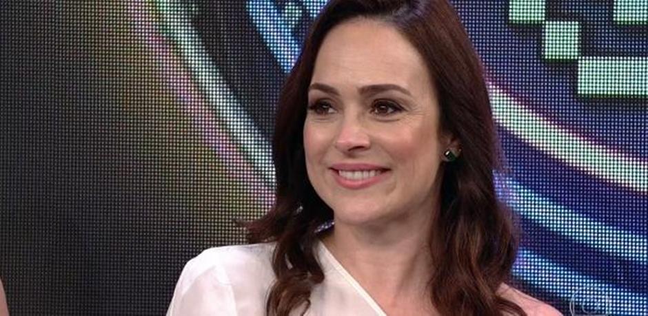 """Gabriela Duarte fala da ausência da mãe na infância: """"Tinha muita saudade"""""""