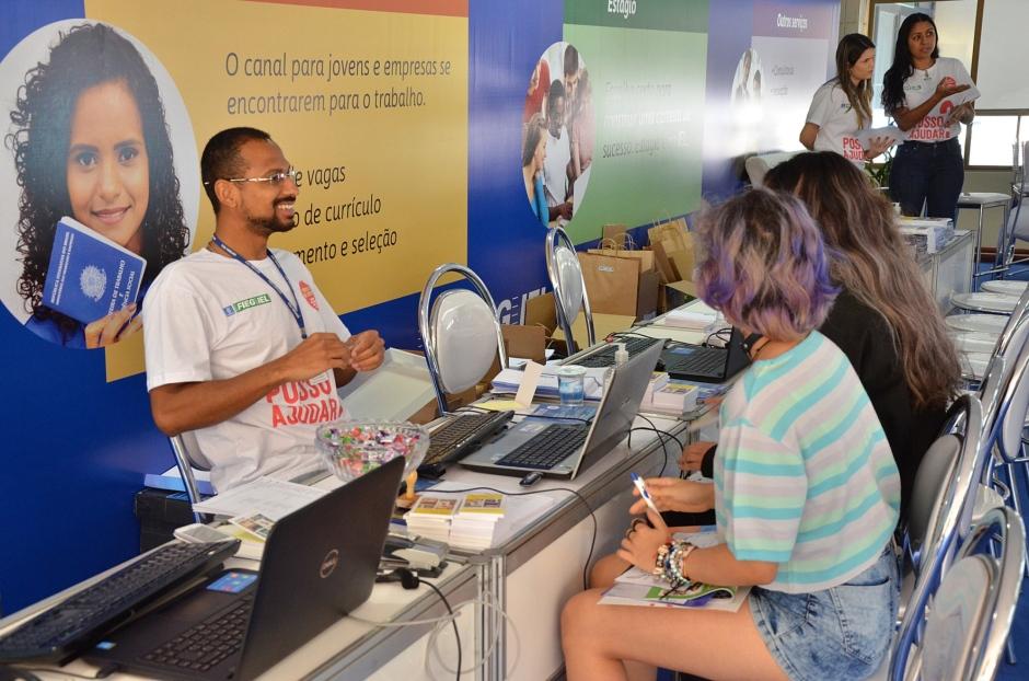 Feira oferece 300 vagas de estágio em Goiânia