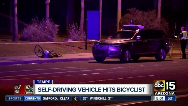 Mulher morre nos EUA após ser atropelada por carro autônomo da Uber