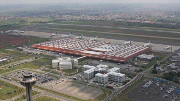 Criminosos invadem aeroporto de Campinas e roubam US$ 5 milhões em espécie