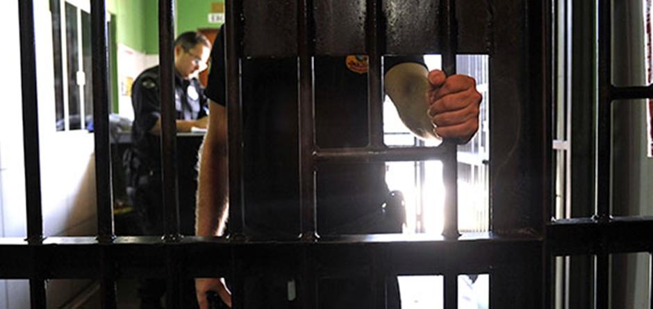 Força-tarefa julga processos de presos provisórios em Goiás