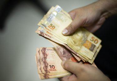IBGE: Mais ricos recebem 36 vezes acima do que ganham os pobres em 2017