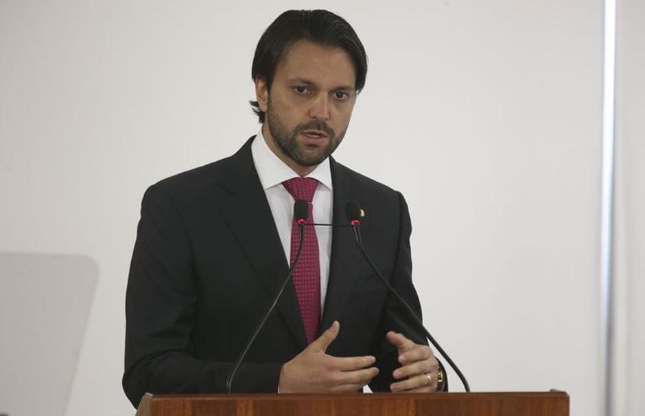 Alexandre Baldy desiste da eleição e continua no Ministério das Cidades