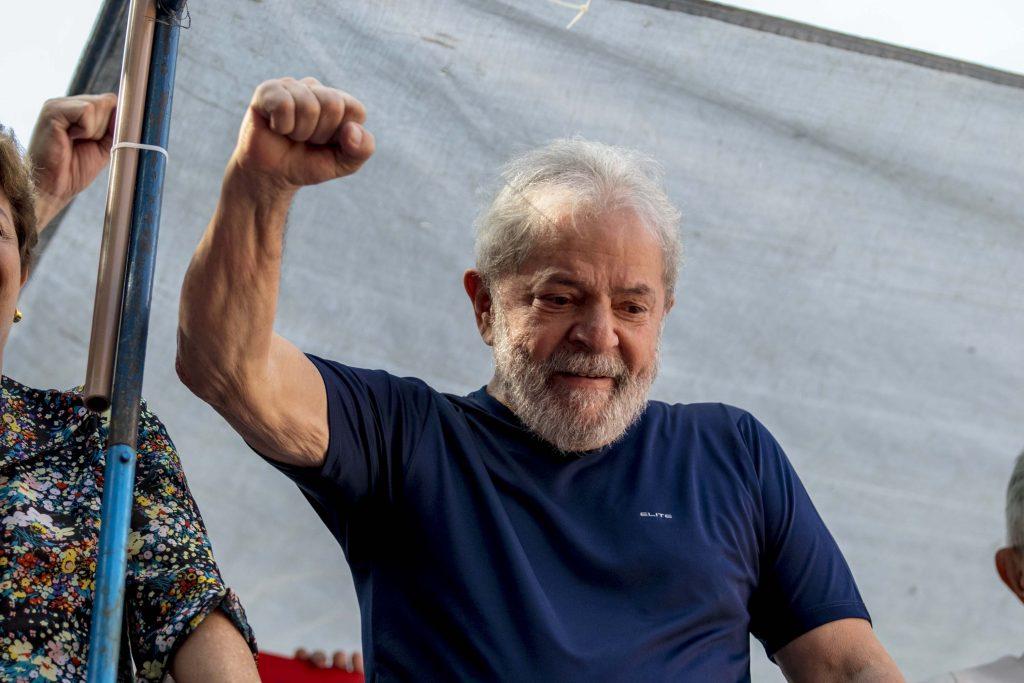 """""""Eu vou lá para eles saberem que eu não tenho medo"""", diz Lula sobre se entregar"""