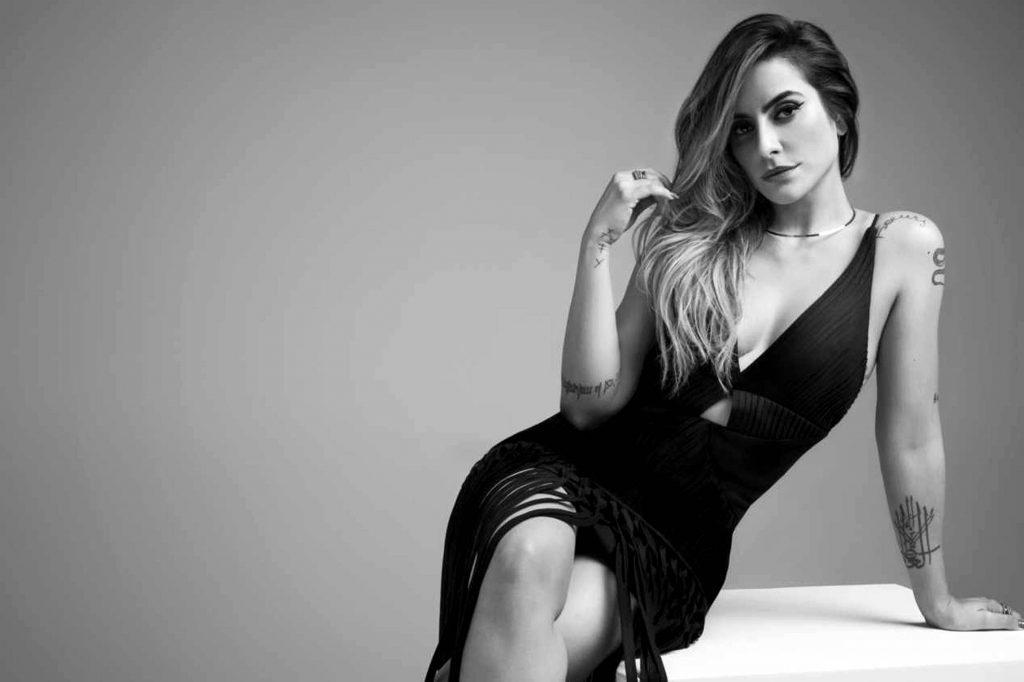 Cleo Pires afirma ser entediante ser sexy sem ser vulgar