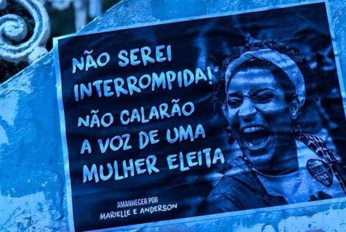 Um mês após crime, manifestantes lembram Marielle em atos no Rio