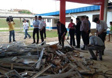 CEI das Obras Paradas vistoria Cmeis abandonados, em Goiânia